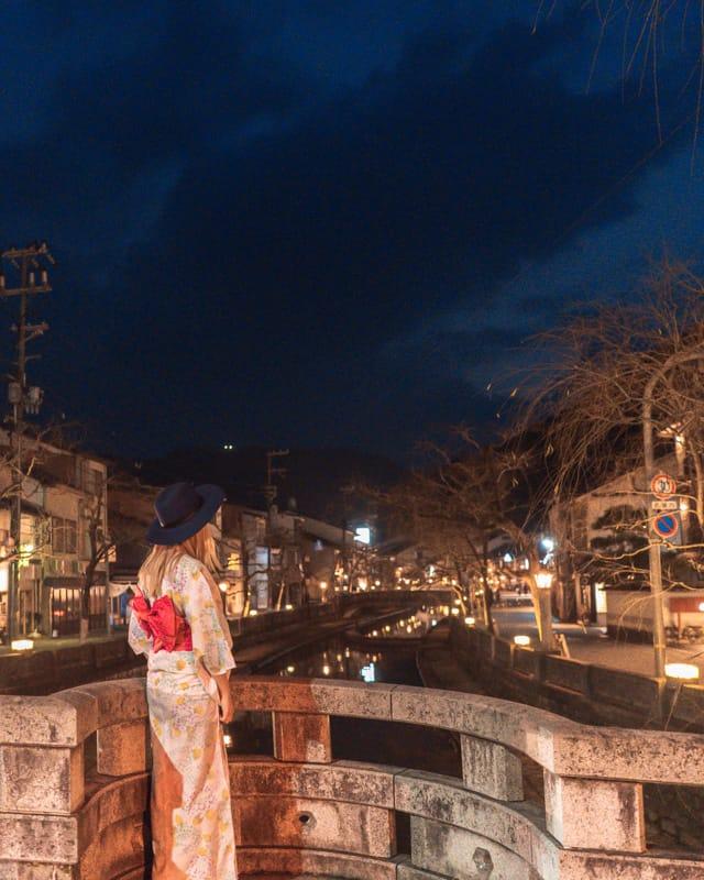 Evening stroll in a Kimono, Kinosaki Onsen
